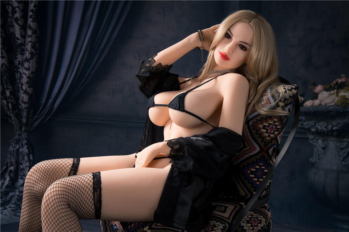 1 sex doll